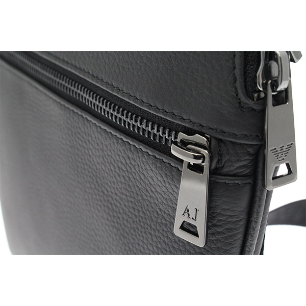 valigeria-ambrosetti-armani-jeans-borsa-tracolla-uomo-black-tiralampo-0622f-q7