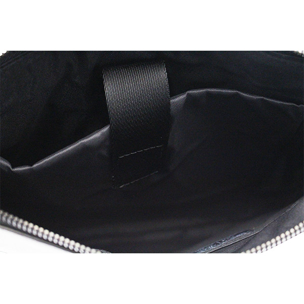 valigeria-ambrosetti-armani-jeans-borsa-a-tracolla-nero-interno-c622e-q7