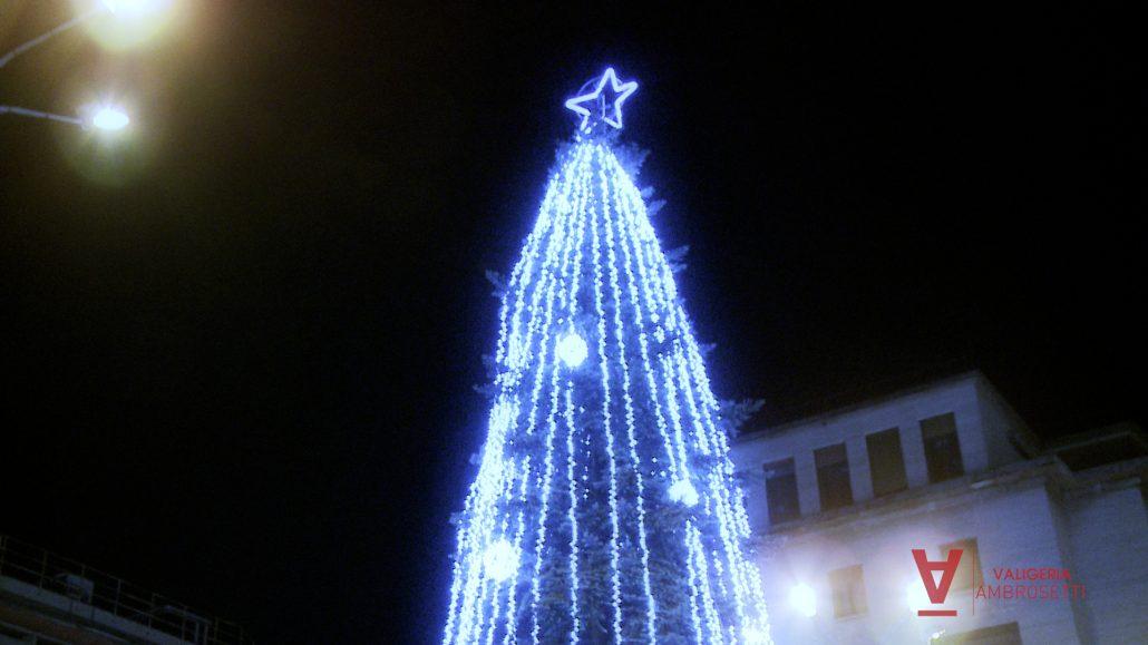 Foto Bellissime Di Alberi Di Natale.Accensione Albero Di Natale A Varese Video By Valigeria