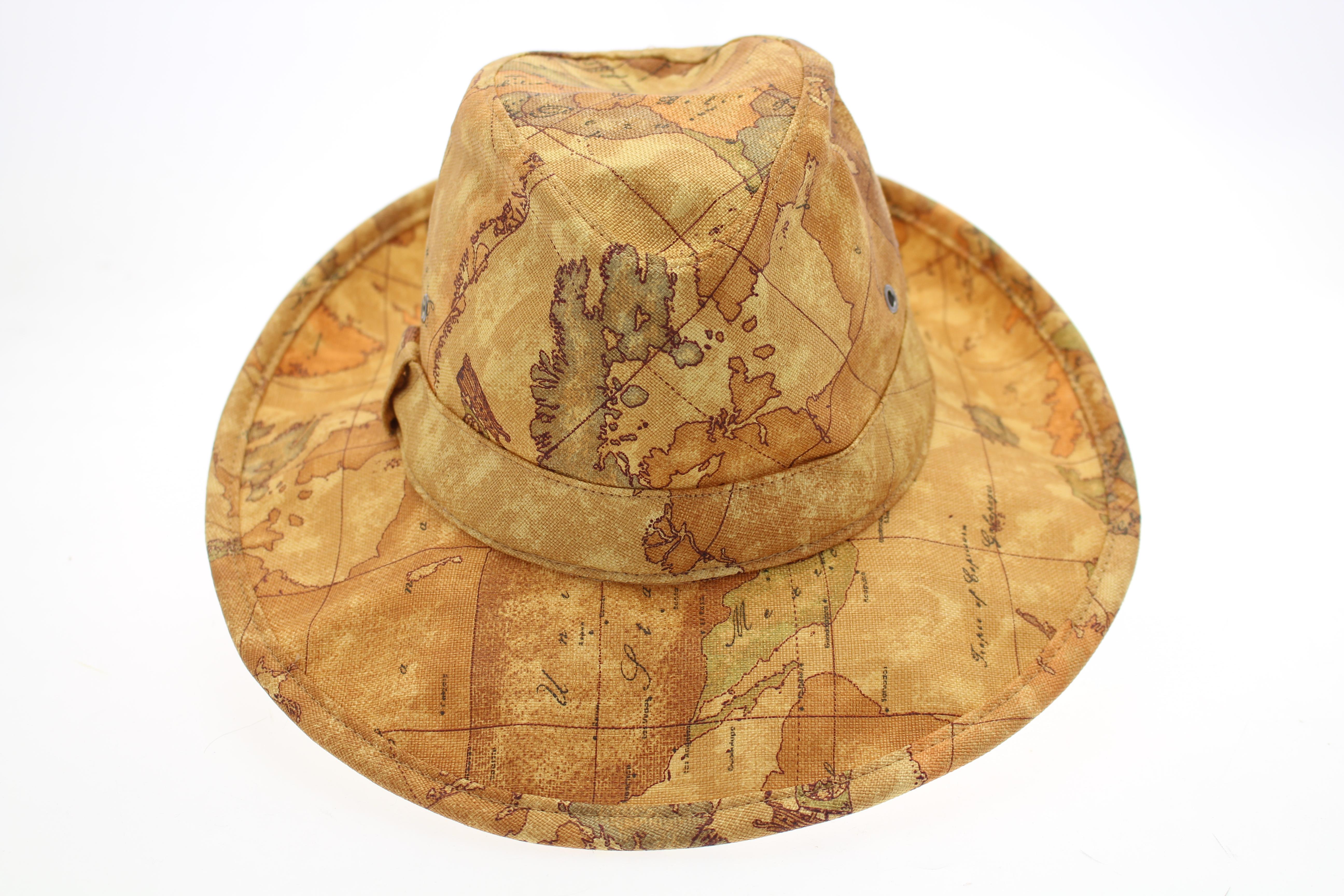 Cappello donnavventura imperdibile per chi ama il brand for Ba cabina di prima classe