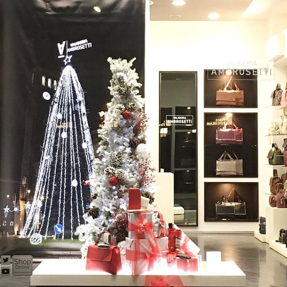 Alberi-di-Natale-in-Valigeria-Ambrosetti