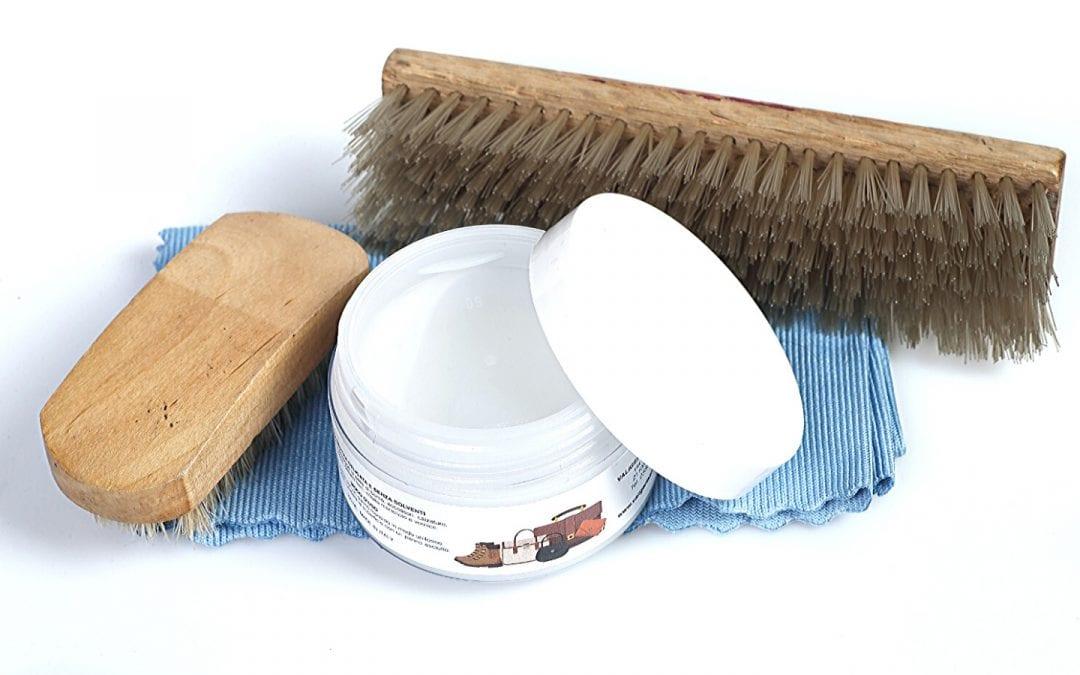 Come pulire una borsa in pelle: 3 consigli per farlo da casa con un lucido neutro